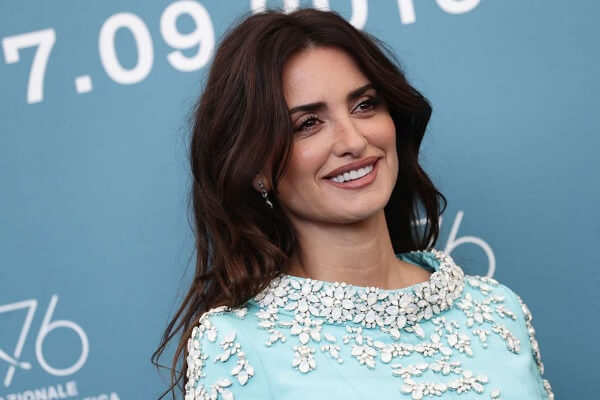 Penélope Cruz Contact Details, Phone Number,  Email Address